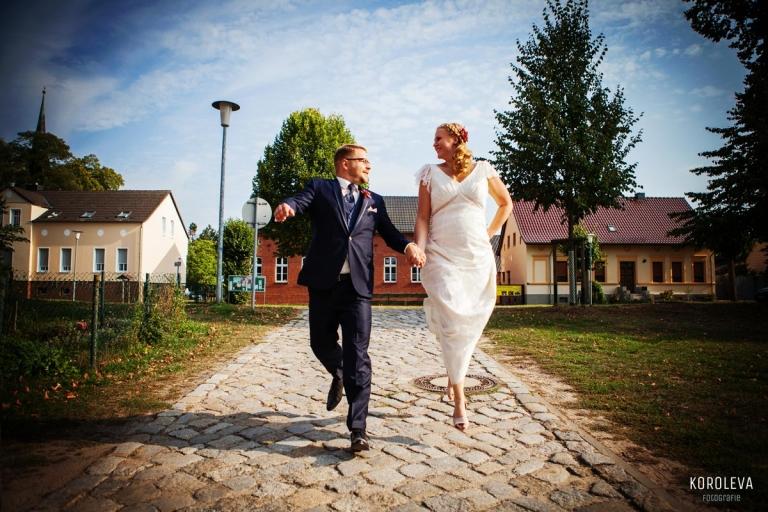 Landgut Stober Hochzeitsfotograf Nauen Brautpaar