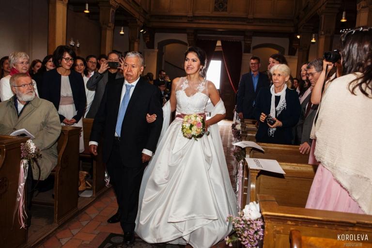 Kirche Trauung Hochzeitsfotograf Berlin