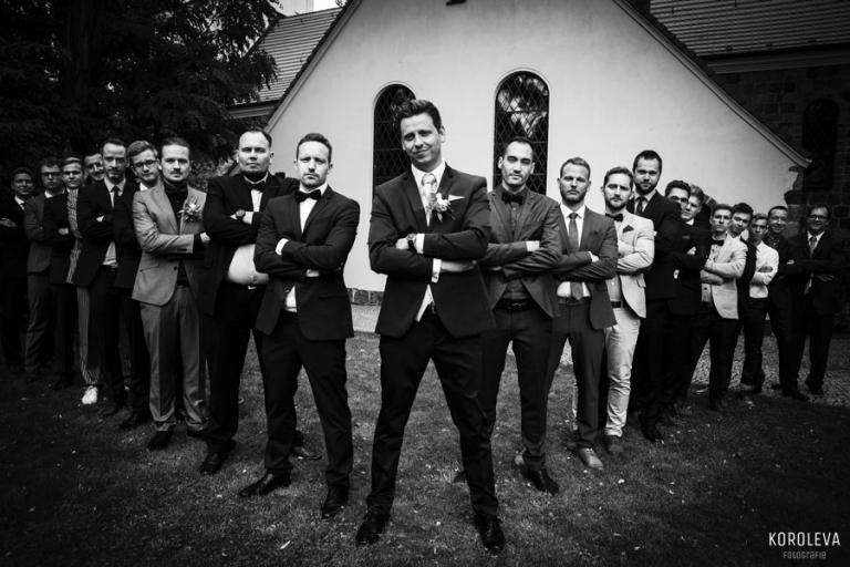 Braeutigam Freunde Fotoideen Innspiration Hochzeitsfotograf Rudow Hochzeit